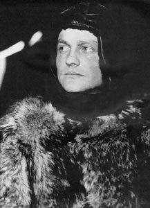 Le Baron aimait beaucoup les fourrures, un truc qui ferait hurler Brigitte Bardot et les nazis végans.